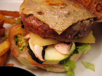 http://michirukaioh.free.fr/taistoietmange/New%20Est/burgerchepokoi.jpg