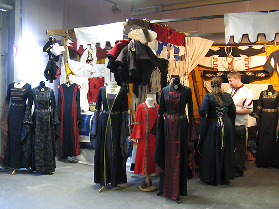 http://michirukaioh.free.fr/taistoietmange/pontoise_avr2010/autre/robes.jpg