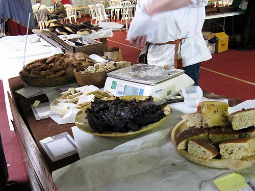 http://michirukaioh.free.fr/taistoietmange/pontoise_avr2010/standbouffe1.jpg
